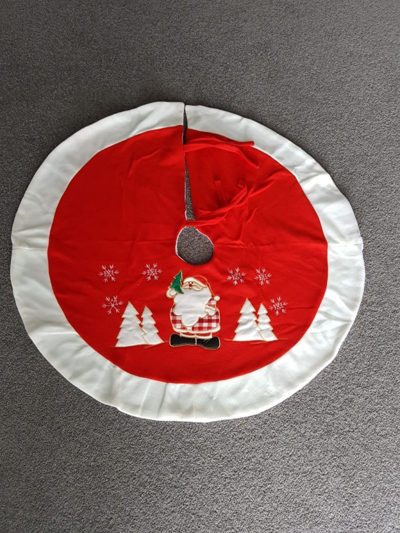 Christmas tree skirt, Santa with tree, red with white trim